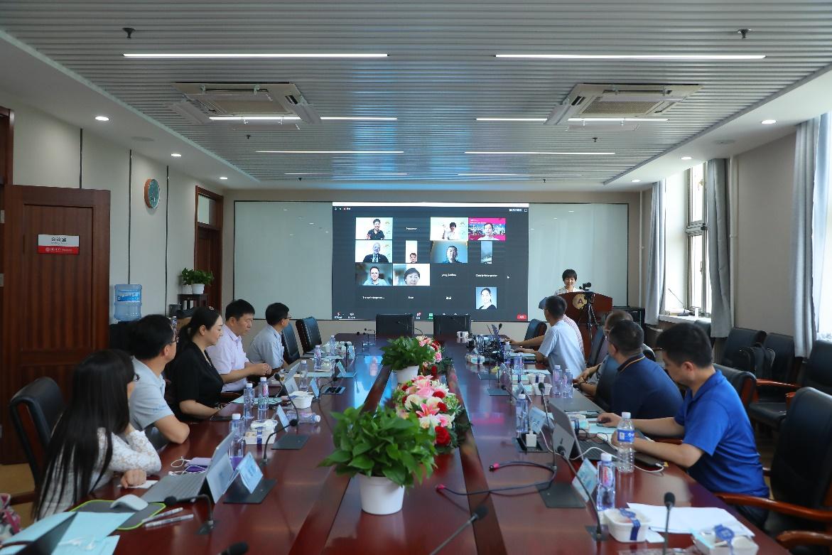 首届IEEE北京工程教育研究论坛举办